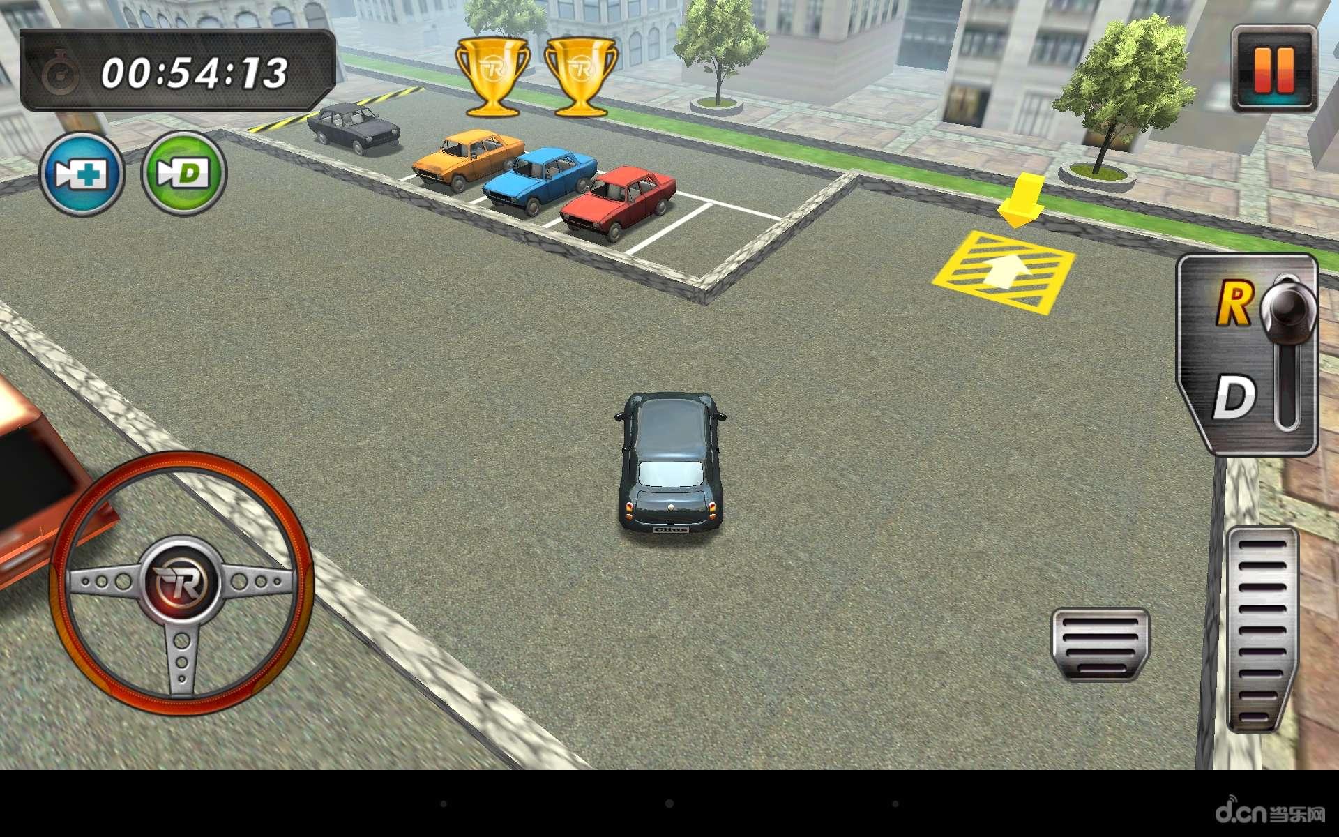 《真实停车3D RealParking3D》是一款模拟停车的游戏,玩厌了竞速游戏?来试试停车游戏吧,你需要在尽量短的时间内将车停到指定位置,会有各种各样的地形,场景,障碍等着你,游戏难度略高,停车可不是那么容易的事哦~